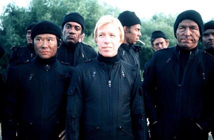 «Хороші хлопці носять чорне» — кадри