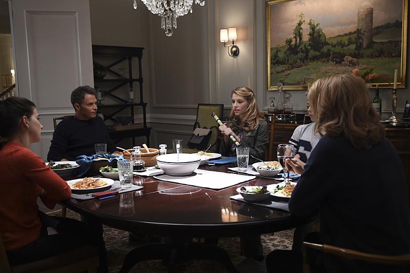 Серіал «Державний секретар» (2014 – 2019): Тім Дейлі, Кетерін Херцер, Ивэн Роу, Уолліс Каррі-Вуд, Теа Леоні 2 сезон, 2 епізод — «The Doability Doctrine» 800x532