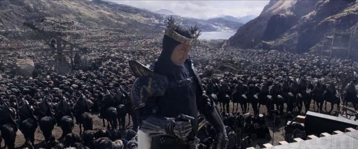 Фільм «Король Артур: Легенда меча» (2017): Джуд Лоу 728x303
