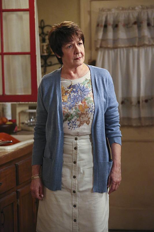 Серіал «Незаймана Джейн» (2014 – 2019): Івонн Колл 1 сезон, 11 епізод — «Глава 11» (Chapter Eleven) 533x800