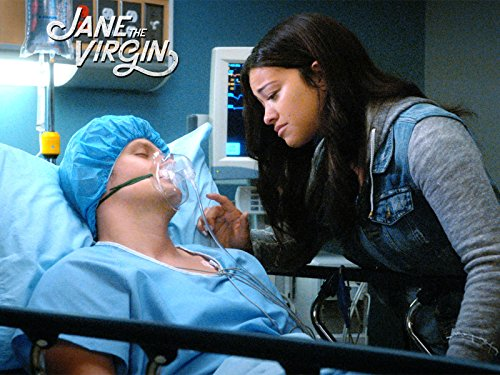 Серіал «Незаймана Джейн» (2014 – 2019): Джина Родрігес, Бретт Дір 3 сезон, 1 епізод — «Сорок пятая глава» (Chapter Forty-Five) 500x375