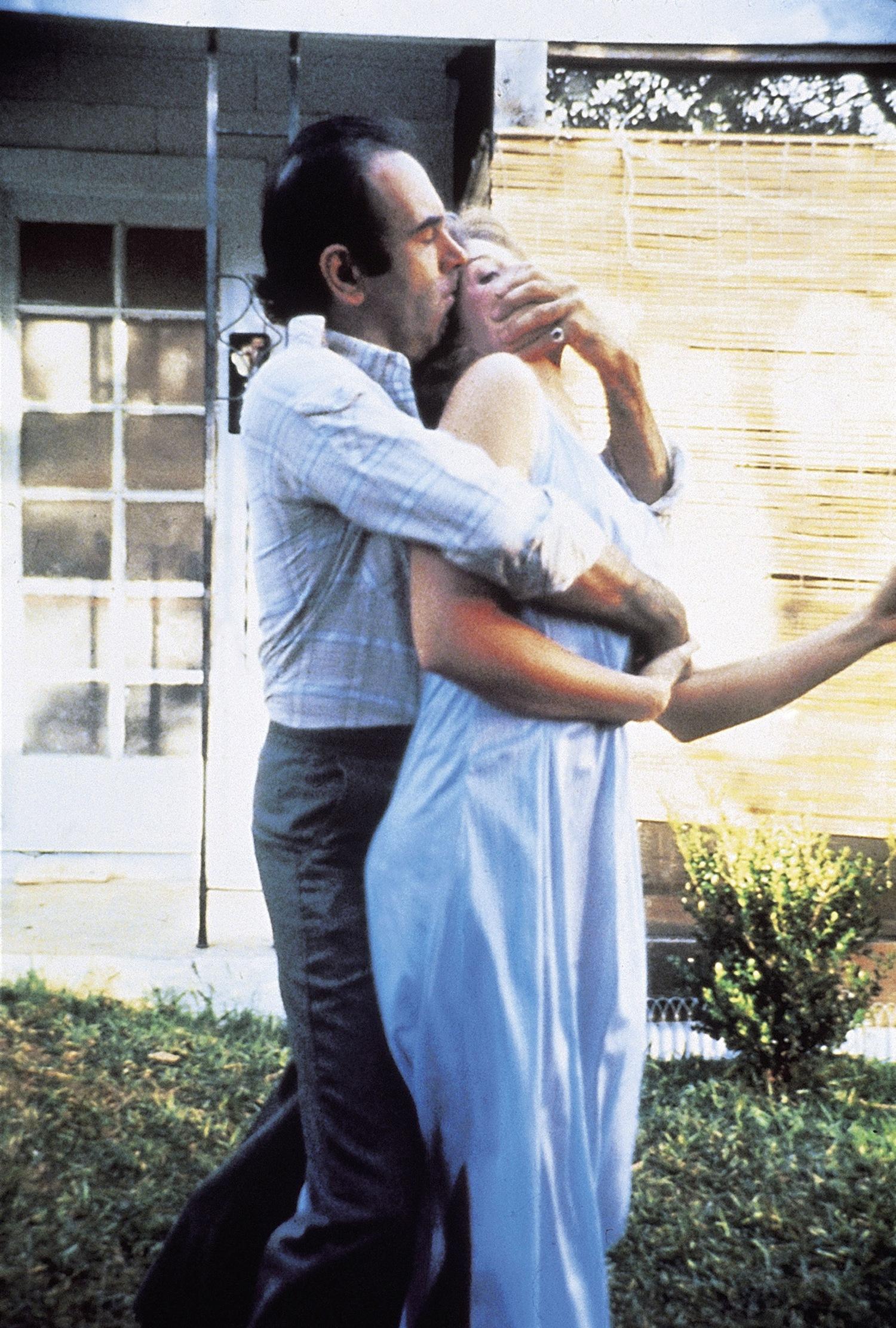 Фильм «Просто кровь» (1983): Дэн Хедайя, Фрэнсис МакДорманд 1500x2223