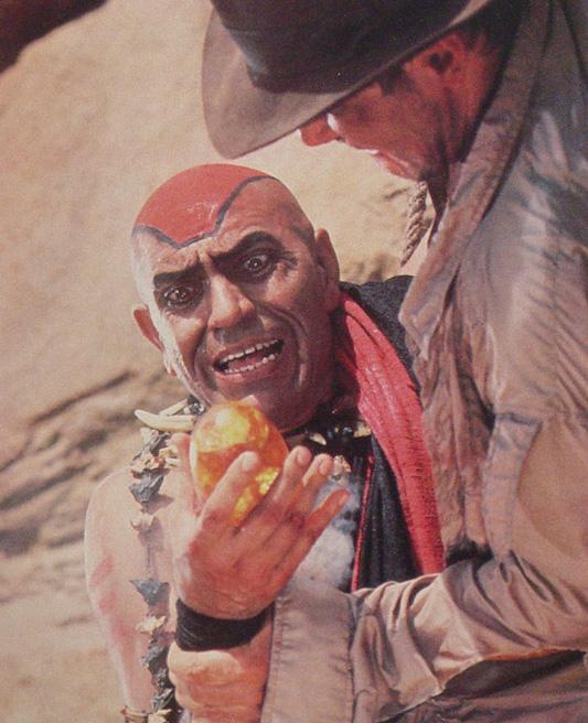 Фильм «Индиана Джонс и Храм судьбы» (1984): Амриш Пури, Харрисон Форд 533x656