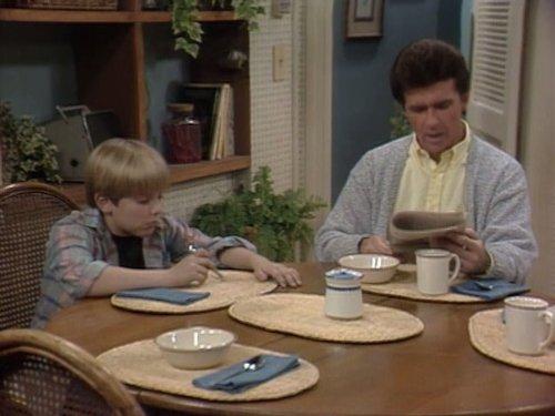 Серіал «Проблемы роста» (1985 – 1992): Алан Тік, Джеремі Міллер 2 сезон, 16 епізод — «My Brother, Myself» 500x375