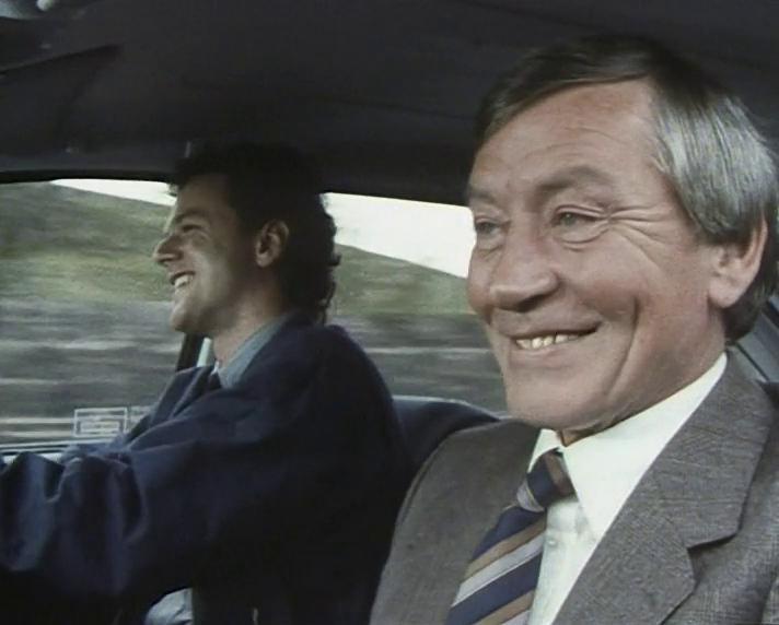 Серіал «Таггерт» (1983 – 2010): Марк МакМанус, Аластер Дункан 2 сезон, 1 епізод — «Knife Edge: Часть 1» (Knife-Edge) 712x572