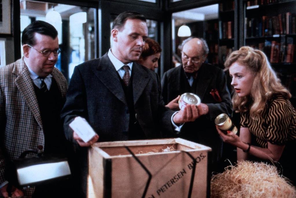 Фільм «Чаринг Кросс Роуд, 84» (1986): 1024x684