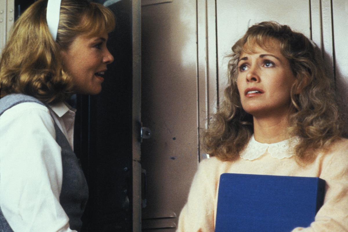 Фильм «Пегги Сью вышла замуж» (1986): Кэтрин Хикс, Кэтлин Тёрнер 1200x802