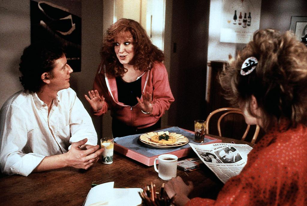 Фильм «Безжалостные люди» (1986): Джадж Райнхолд, Бетт Мидлер 1024x689