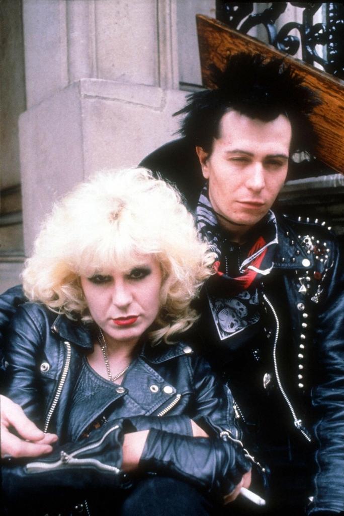 Фільм «Сід і Ненсі» (1986): Хлоя Уебб, Ґері Олдман 684x1024