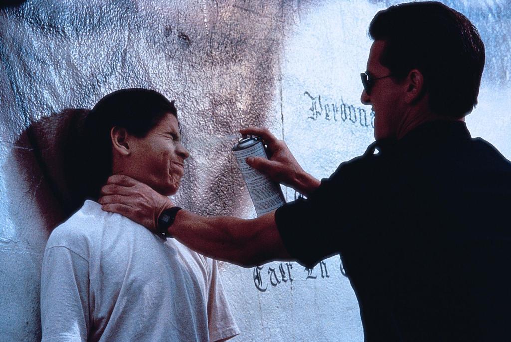 Фільм «Кольори» (1988): 1024x685