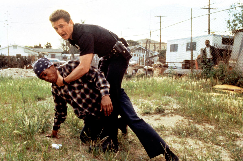 Фільм «Кольори» (1988): Шон Пенн 1500x999