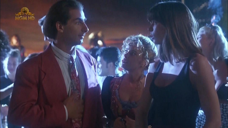 Фільм «Чудо-пляж» (1992): Емі Доленц, Дін Кемерон, Фелісіті Ватерман 1500x844