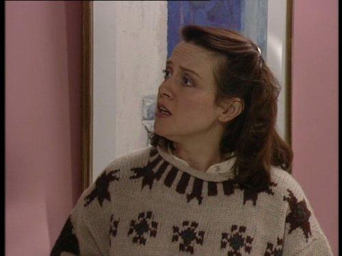 Серіал «Время идет» (1992 – 2005): Мойра Брукер 4 сезон, 8 епізод — «Wedding Day Nerves» 500x375