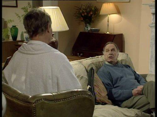 Серіал «Время идет» (1992 – 2005): Джуді Денч, Джеффрі Палмер 6 сезон, 1 епізод — «The Stalker» 500x375