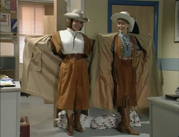 Серіал «Время идет» (1992 – 2005): Мойра Брукер, Дженни Фаннелл 3 сезон, 10 епізод — «Problems, Problems» 751x576