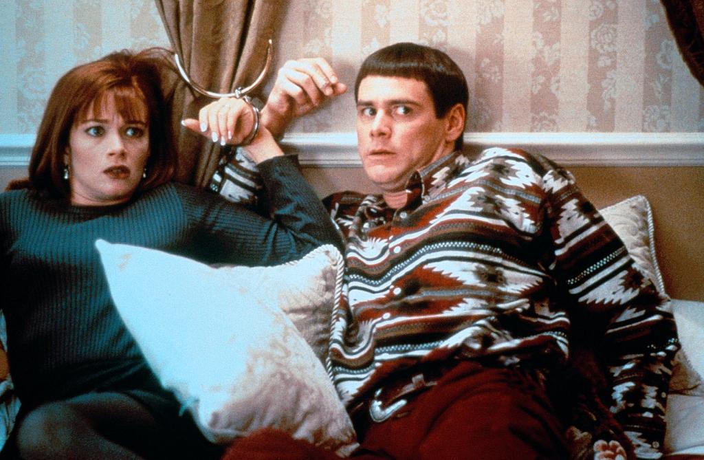 Фильм «Тупой и еще тупее» (1994): Лорен Холли, Джим Керри 1024x669
