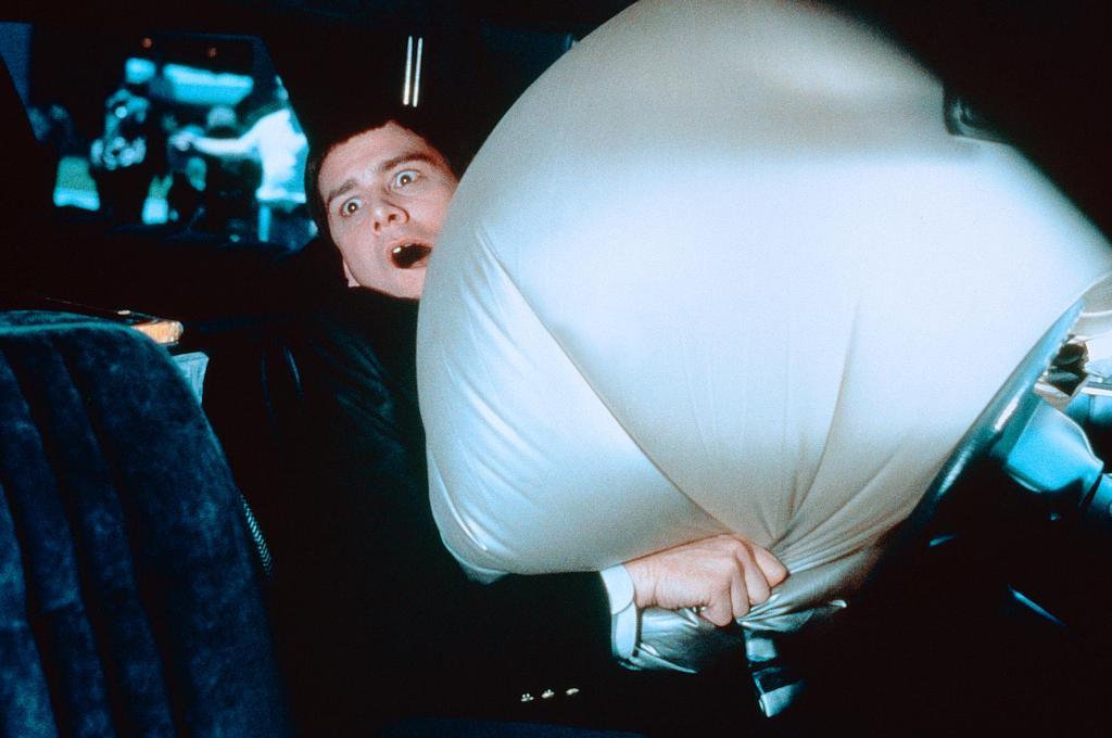 Фильм «Тупой и еще тупее» (1994): Джим Керри 1024x680