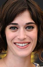 Ліззі Каплан — Claire Weiss