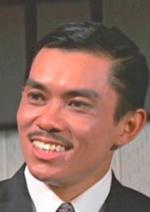 Сінг Чан — Dr. Chau