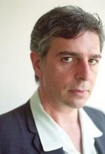 Джеррі Чіккорітті — Режисер «Снова дома»