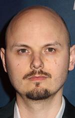 Дж. Блейксон — Режисер «Аферистка»