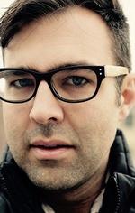 Майкл Моган — Режисер «Спостерігачі»
