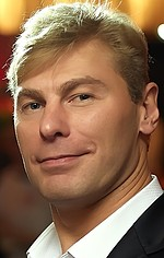 Александр Головчанский — Стефан Стрэндж