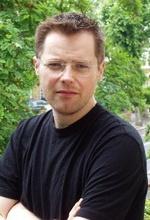 Крис Джонс — Режиссёр «Остров выживания»