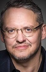 Адам МакКей — Режисер «Телеведучий: Легенда про Рона Борганді»