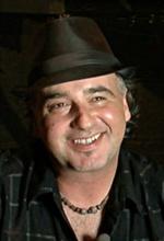 Майкл Мелскі — Режисер «Зона Чарли»