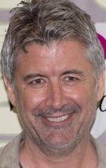 Деран Сарафьян — 22 епізоди, 2005-2009