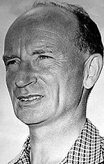 Роберт Стівенсон — 27 епізодів, 1957-1982