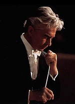 Херберт фон Караян — грає самого себе
