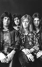 Queen — исполнители, грають самих себе