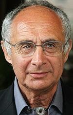 Жерар Пірес — Режисер «Таксі»