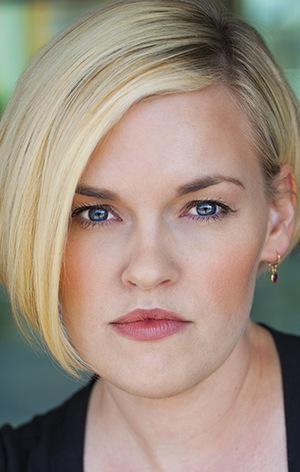Кері Уолгрен (Kari Wahlgren)